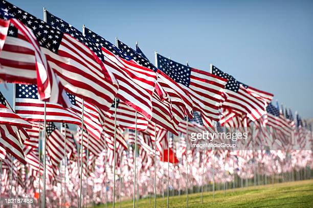 four thousand flags - september_11_attacks stock pictures, royalty-free photos & images