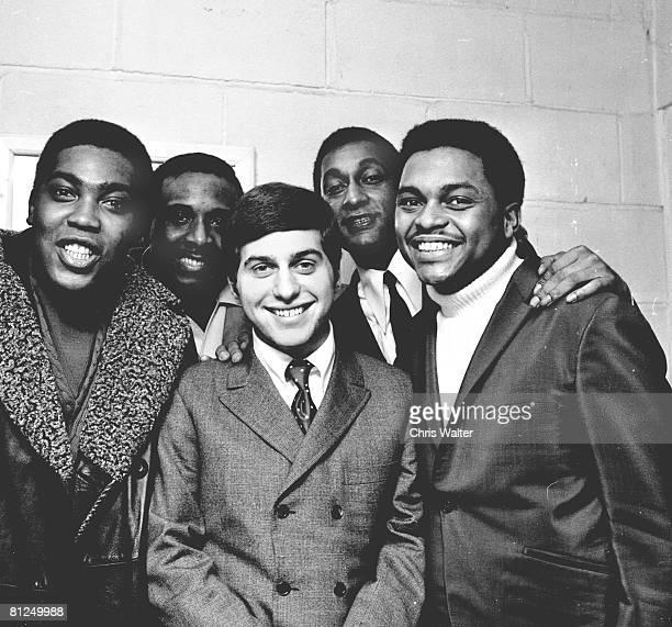 Four Tops and Johnny Rivers 1967 Lawrence Payton, Levi Stubbs, Johnny Rivers, Abdul Duke Fakir and Renaldo Obie Benson