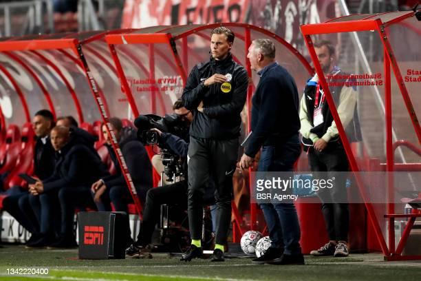 Fourth official Robin Gansner and Coach Ron Jans of FC Twente during the Dutch Eredivisie match between FC Twente and AZ at De Grolsch Veste on...