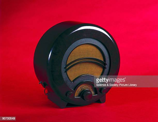 A fourvalve TRF domestic receiver in a circular Bakelite case TRF radios were usually battery powered and as the batteries were costly the radio was...