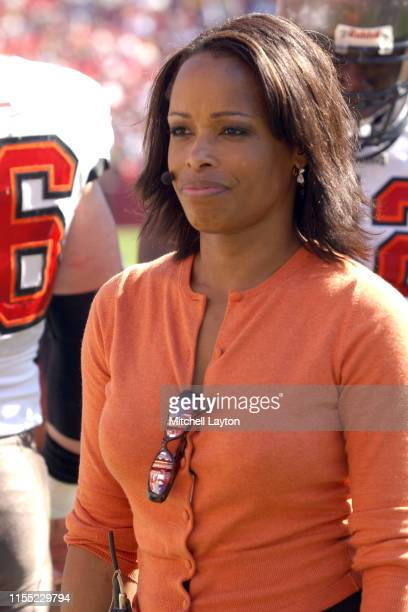 Fox announcer Pam Oliver on air during a football game between the Tampa Bay Buccaneers and Washington Redskins at FedExField on October 12 2003 in...