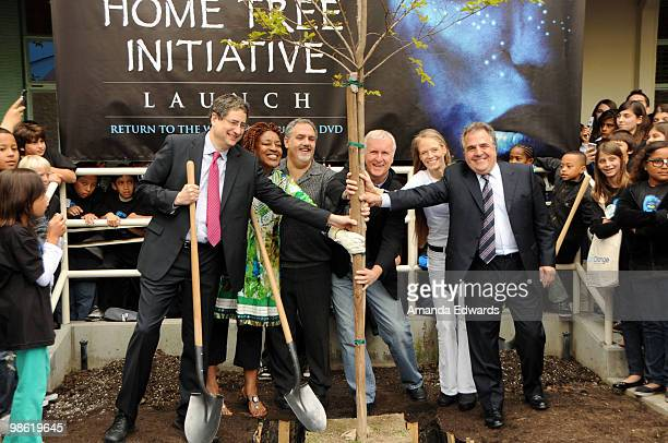 Fox Film Entertainment Chairman and CEO Tim Rothman, CCH Pounder, Jon Landau, James Cameron, Suzy Amis and Jim Gianopulos attend the 20th Century Fox...