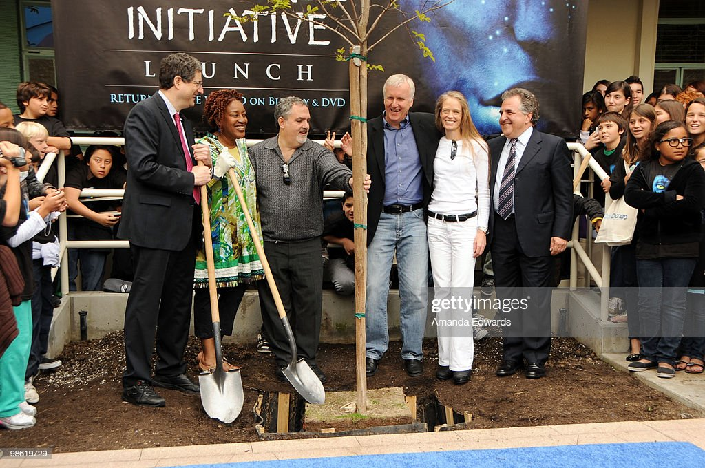 Fox Film Entertainment Chairman and CEO Tim Rothman, CCH Pounder, Jon Landau, James Cameron, Suzy Amis and Jim Gianopulos attend the 20th Century Fox & Earth Day Network's 'Avatar' Tree Planting Event on April 22, 2010 in Los Angeles, California.