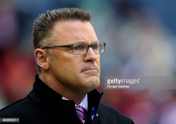 Fox football analyst Howie Long looks on before the Seattle Seahawks take on the San Francisco 49ers in the 2014 NFC Championship at CenturyLink...