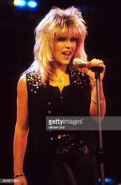 Fox Samantha Musician Singer Pop music glamour model UK performing 121987