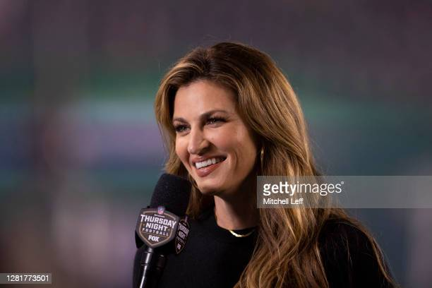 Fox sideline reporter Erin Andrews smiles during the game between the New York Giants and Philadelphia Eagles at Lincoln Financial Field on October...