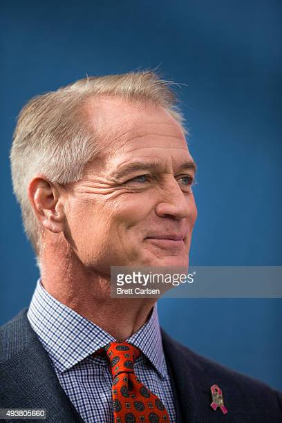 Fox Sports commentator Daryl Johnston on the sideline before the game between the Buffalo Bills and the New York Giants on October 4 2015 at Ralph...