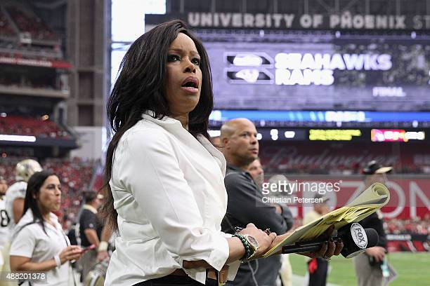 Fox Sports sideline reporter Pam Oliver on the sidelines during the NFL game between the Arizona Cardinals and the New Orleans Saints at the...
