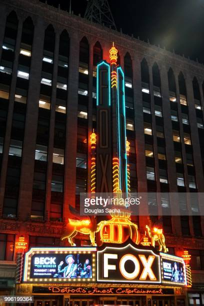 fox theater and entrance marquee in downtown detroit, michigan, usa - fox theatre detroit stock pictures, royalty-free photos & images