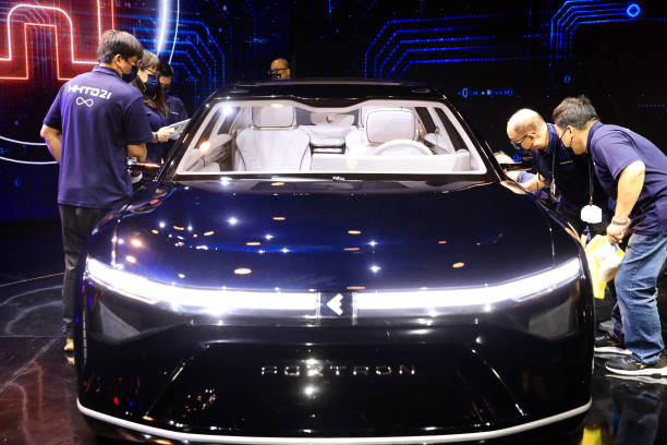 TWN: Foxconn Unveils First Electric Vehicles