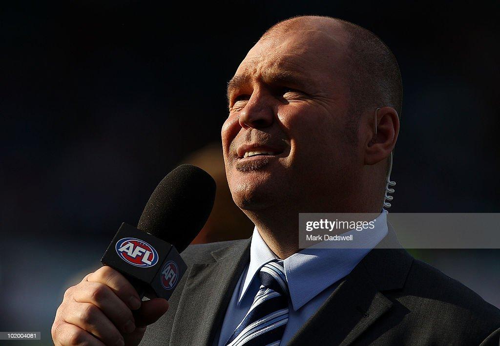 AFL Rd 12 - Hawks v Crows