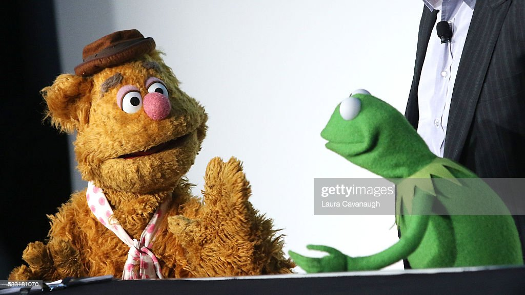 Fozzie Bear and Kermit the Frog attend Morning With The