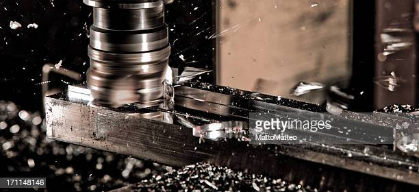 cnc fräser in arbeit - metal industry stock pictures, royalty-free photos & images