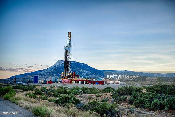 fracking drill rig - fracking stock pictures, royalty-free photos & images