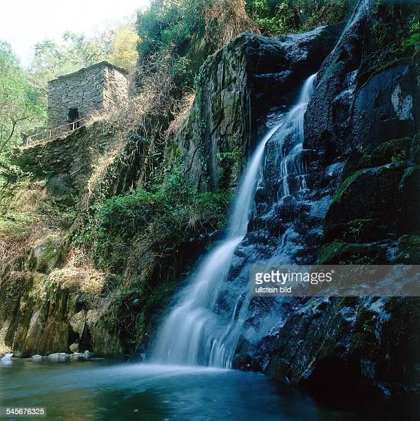 Fraga da Pena Reserva de Recreio Wasserfall 1998