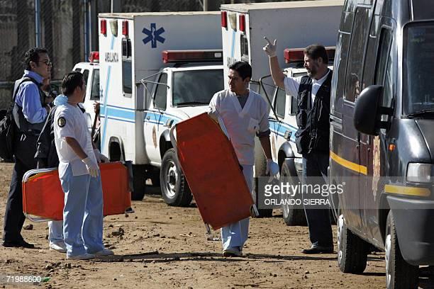 Personal medico permanece en las inmediaciones de la Granja de Rehabilitacion Pavon en el municipio de Fraijanes 25 kms al este de Ciudad de...