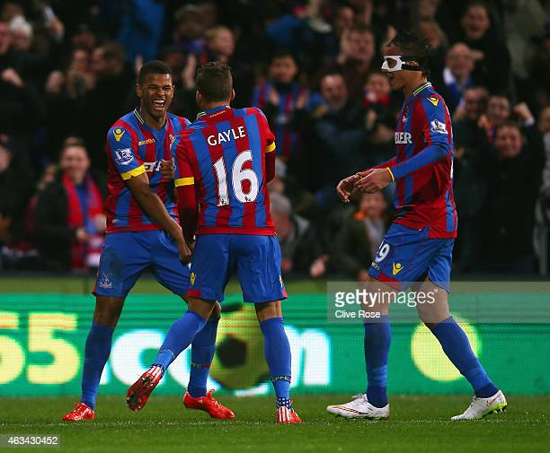 Fraizer Campbell of Crystal Palace celebrates scoring the opening goal with Dwight Gayle and Marouane Chamakh of Crystal Palace during the FA Cup...