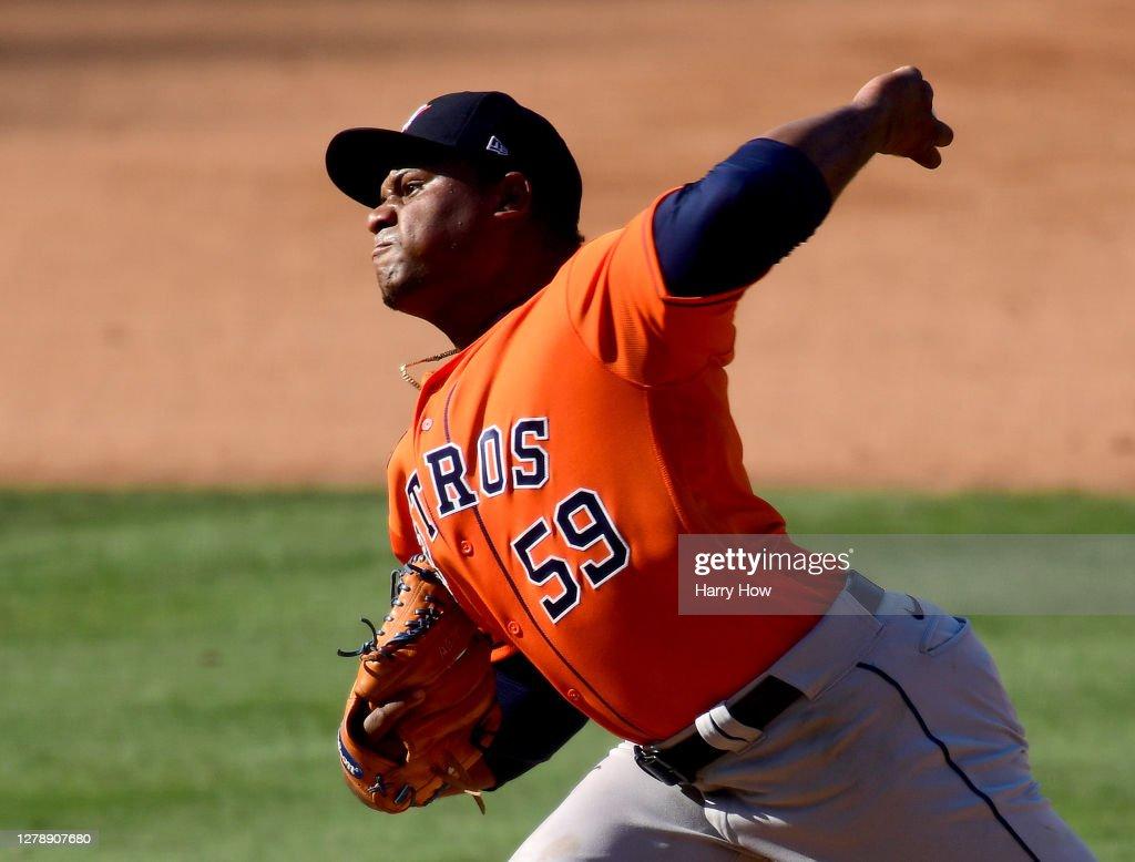 Division Series - Houston Astros v Oakland Athletics - Game Two : News Photo