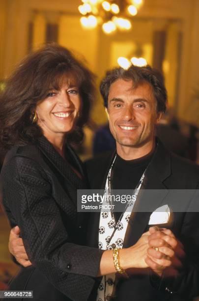 Framboise et Gérard Holtz lors du 100ème anniversaire de l'Hotel du Palais à Biarritz en mai 1993 France