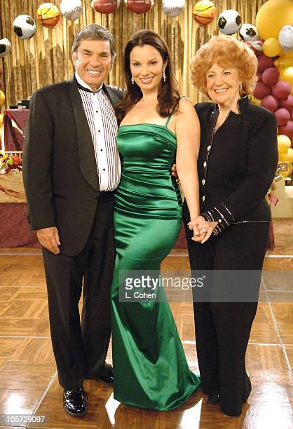 Fran Drescher with her parents Morty and Sylia Drescher
