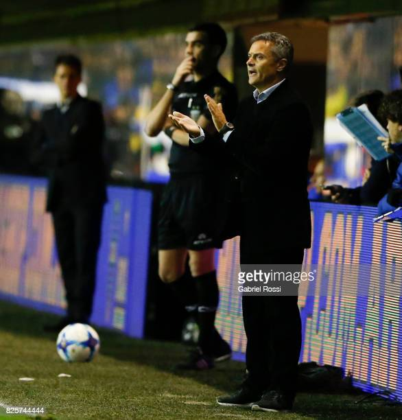 Fran Escriba coach of Villarreal CF gestures during the international friendly match between Boca Juniors and Villarreal CF at Alberto J Armando...