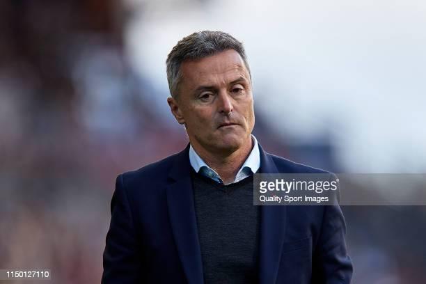 Fran Escriba the manager of Celta de Vigo is sent off during the La Liga match between RC Celta de Vigo and Rayo Vallecano de Madrid at Abanca...