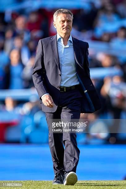 Fran Escriba the manager of Celta de Vigo looks on prior to the La Liga match between RC Celta de Vigo and Villarreal CF at Abanca Balaidos Stadium...