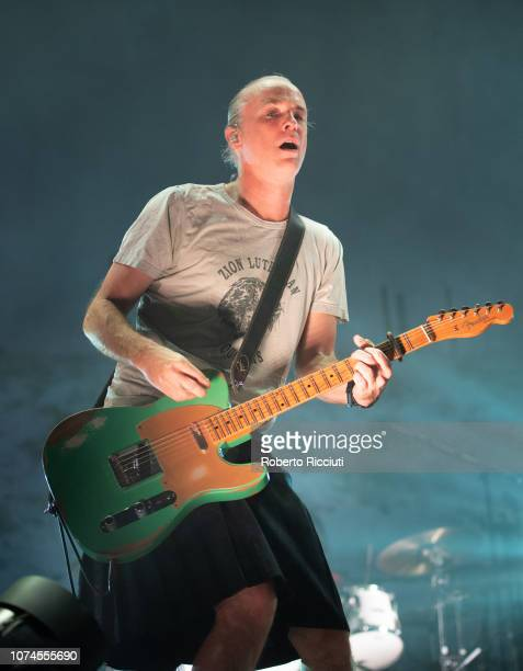 Fran Healy of Travis performs on stage at The SSE Hydro on December 21, 2018 in Glasgow, Scotland.