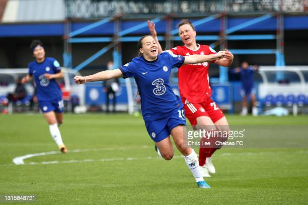 Fran Kirby of Chelsea celebrates scoring their fourth goal with her team mates during the Second Leg of the UEFA Women's Champions League Semi Final...