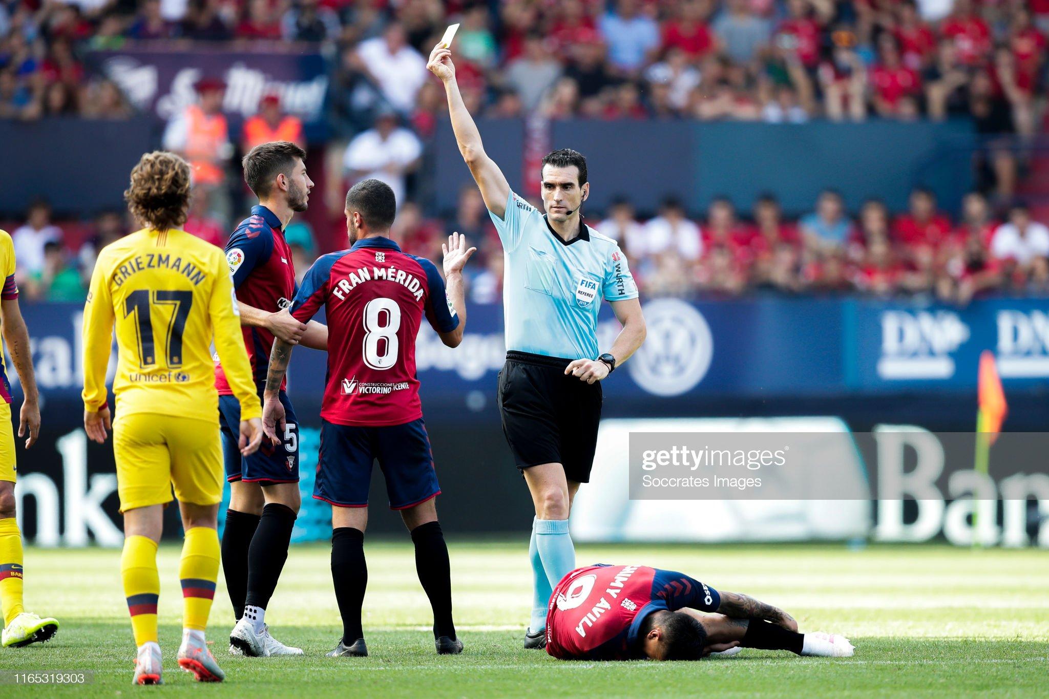 صور مباراة : أوساسونا - برشلونة 2-2 ( 31-08-2019 )  Fran-merida-of-ca-osasuna-referee-martinez-munuera-during-the-la-liga-picture-id1165319303?s=2048x2048