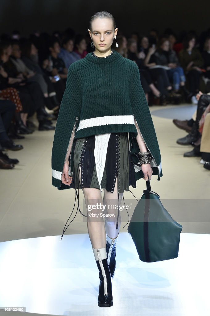 Fran Summers walks the runway during the Alexander McQueen show as part of Paris Fashion Week Womenswear Fall/Winter 2018/2019 on March 5, 2018 in Paris, France.