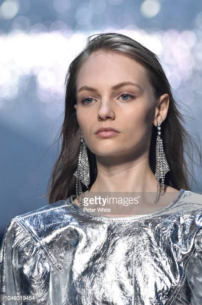 Fran Summers walks the runway during the Isabel Marant show as part of the Paris Fashion Week Womenswear Spring/Summer 2019 on September 27 2018 in...
