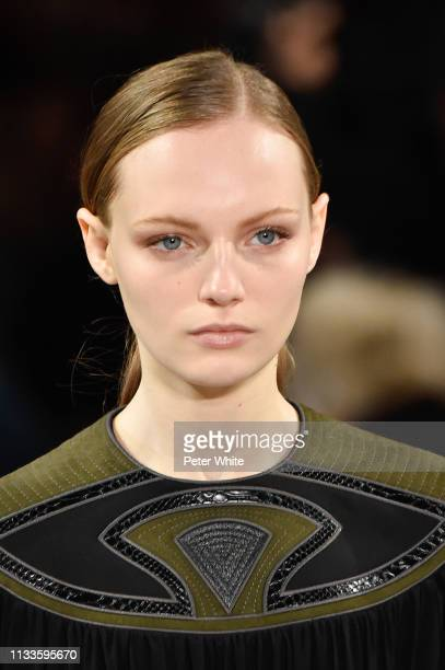 Fran Summers walks the runway during the Stella McCartney show as part of the Paris Fashion Week Womenswear Fall/Winter 2019/2020 on March 04 2019 in...