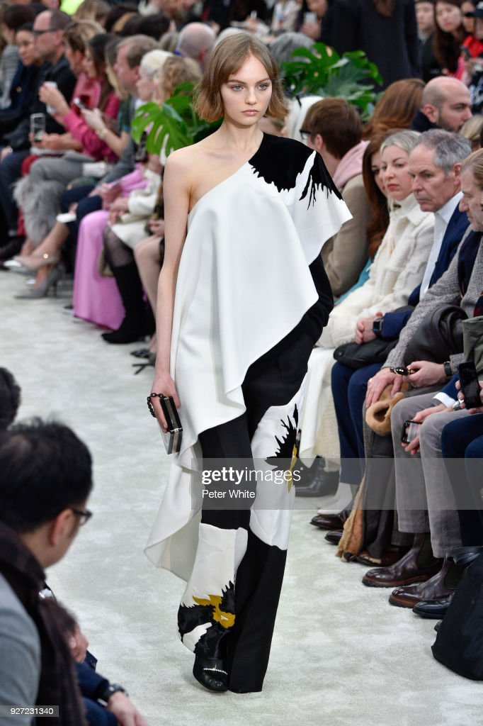 Fran Summers walks the runway during the Valentino show as part of the Paris Fashion Week Womenswear Fall/Winter 2018/2019 on March 4, 2018 in Paris, France.