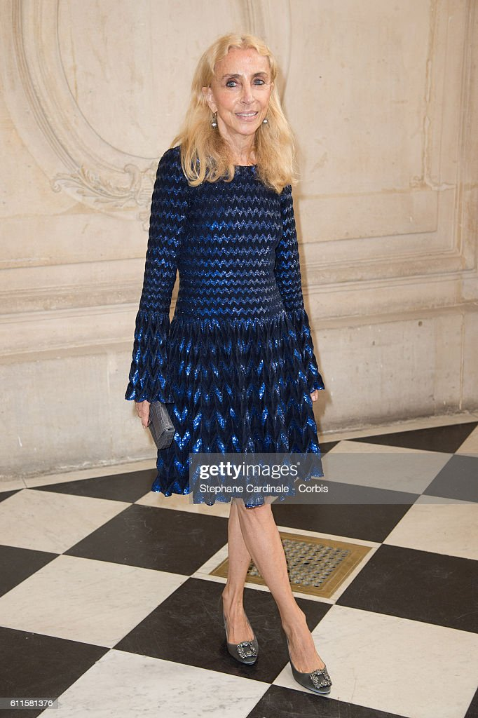 Christian Dior : Front Row - Paris Fashion Week Womenswear Spring/Summer 2017 : News Photo
