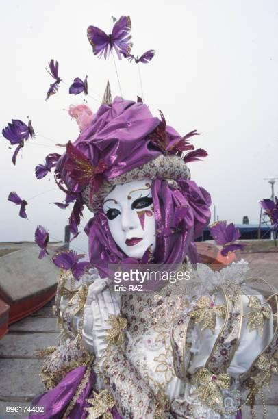 Francaise costumee participant au carnaval de Venise en fevrier 1998 Italie
