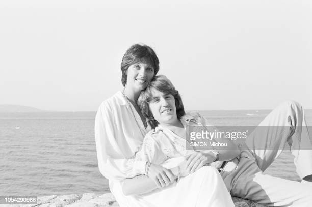 France 16 août 1978 Rendezvous avec le musicien Marc CERRONE et son épouse Florence dans leur villa de la Côte d'Azur Ici le musicien posant dans les...