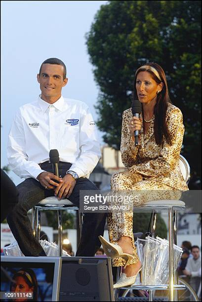 France 2 Special Tv Show To Celebrate The 100Th Anniversary Of The Tour De France On July 3 2003 In Paris France Richard Virenque With Wife