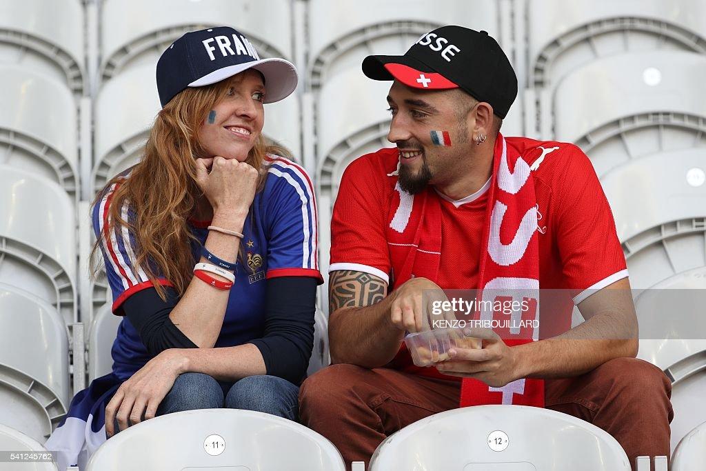 FBL-EURO-2016-MATCH26-SUI-FRA-FANS : News Photo
