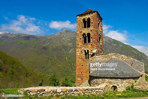 france, ariege, merens church - アリエージュ ストックフォトと画像