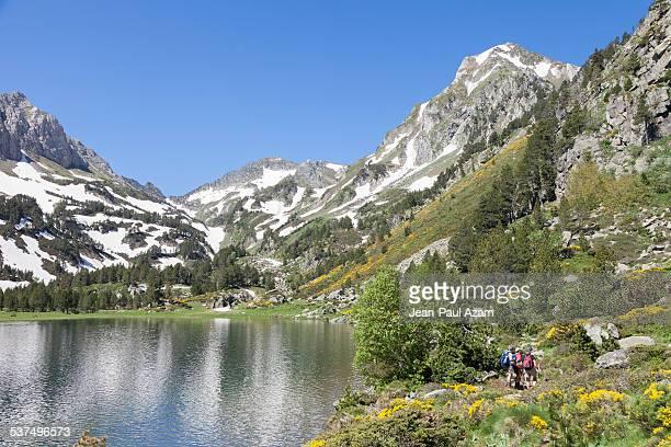 france, ariege, pyrenees, laurenti lake - アリエージュ ストックフォトと画像