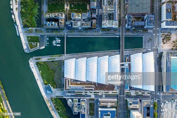 france, auvergne-rhone-alpes, lyon, aerial view of marina of riverside city - ローヌ県 ストックフォトと画像