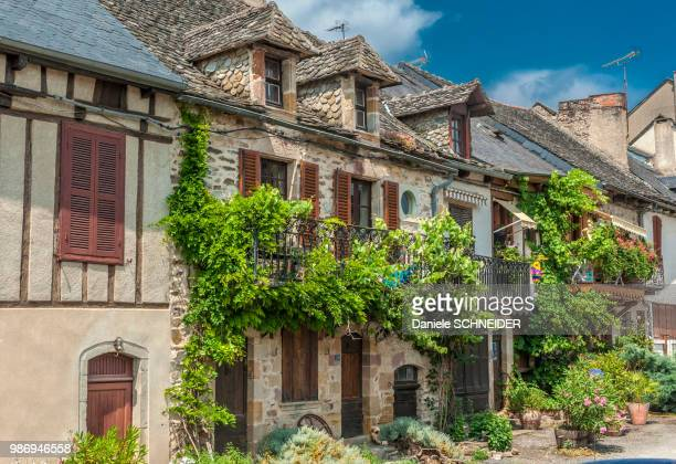 """france, aveyron, fortified town of najac (labelled """"most beautiful village in france"""") - aveyron photos et images de collection"""