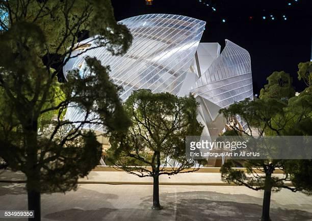 France Bois de Boulogne Paris louis vuitton foundation model by frank gehry