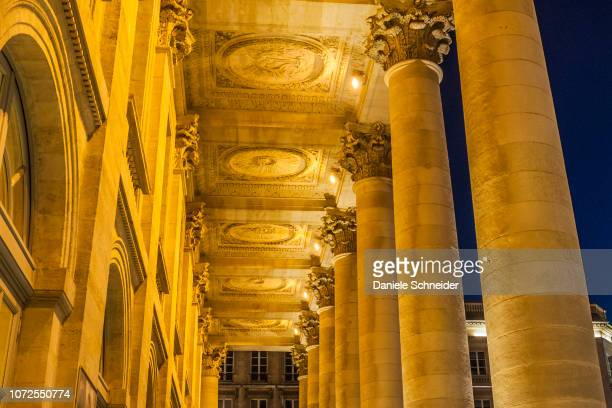 france, bordeaux, triangle d'or neighborhood, peristyle of the grand theâtre on the place de la comedie (world heritage unesco) - 歌劇 ストックフォトと画像