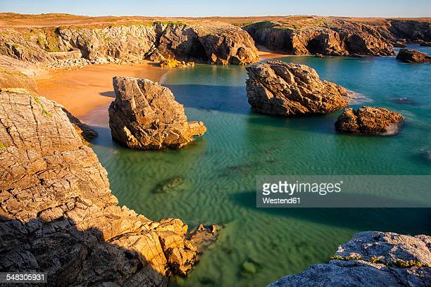france, brittany, cote sauvage at qiberon peninsula in evening light - golfe du morbihan photos et images de collection