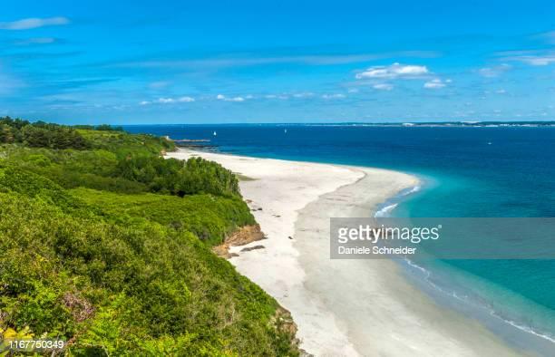 france, brittany, ile de groix, geological nature reserve francois-le-bail, grands sables convex beach - golfe du morbihan photos et images de collection