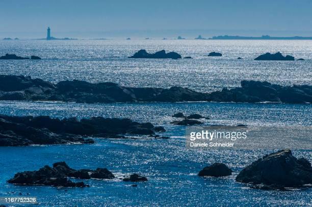 france, brittany, ile d'ouessant, pointe de penn ar viler and la jument lighthouse, south coast - la jument stock pictures, royalty-free photos & images