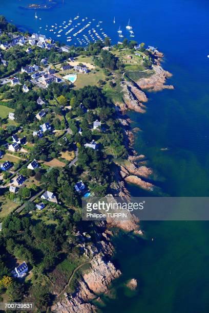 france, brittany, morbihan. aerial view. port-manech - golfe du morbihan photos et images de collection