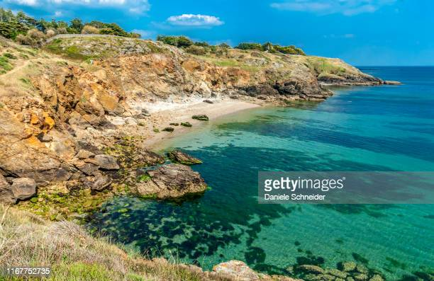 france, brittany, rhuys peninsula, seaside at saint-gildas-de-rhuys - golfe du morbihan photos et images de collection